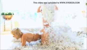 Blonde babe takes a dicking by mouth gag dildo